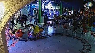 """Новое видео начала возникновения пожара в тц """"Зимняя вишня"""" в Кемерово"""