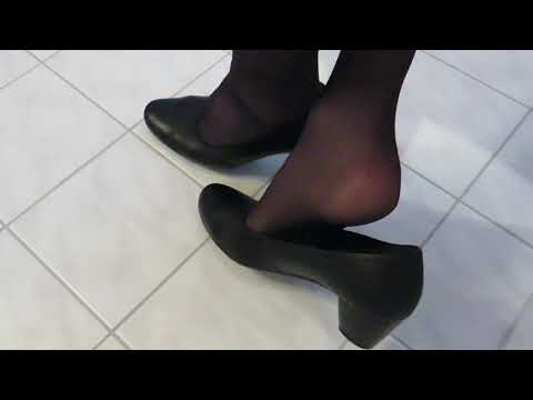 Gabor comfort pumps and nylons, shoeplay