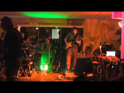 "KRefeld Unplugged Presents - (Versuchsanordnung ""Dunkles Holz"")"
