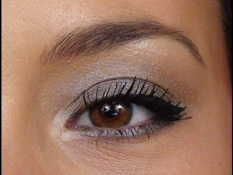 Illusion D'Ombre Long Wear Luminous Eyeshadow by Chanel #9