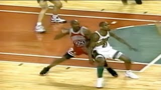 Gary Payton locks down Michael Jordan - 1996 Finals Game 4