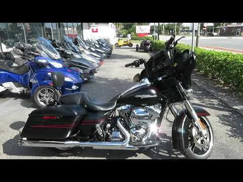 2016 Harley-Davidson Street Glide® Special in Sanford, Florida - Video 1