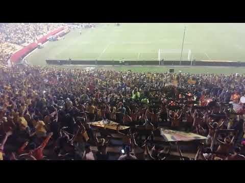 """Oh Oh oh sale Barcelo... #Murga #Hinchada #AtodoRitmo"" Barra: Sur Oscura • Club: Barcelona Sporting Club"