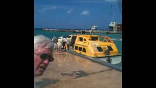 preview picture of video 'Downtown George Town - Cayman Island.MOV'