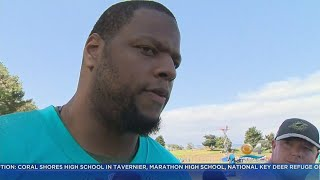 Miami Dolphins Players Help High School Team Stranded By Irma Return Home