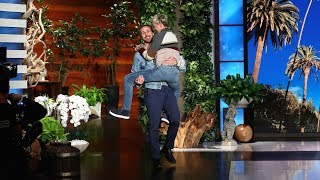 Ellen Gets Close To Ryan Gosling With An Epic Entrance