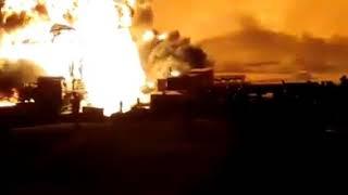 بالفيديو : حريق ضخم ببئر بترول في مصر.. ومحاولات لإخماد النار