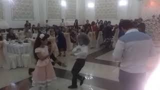 Лезгинка на свадьбе