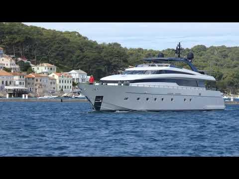 Luxus Yacht im Hafen Mali Lošinj – Jakob Hofer Croatia Hiking 30. April 2019 – Kroatien fz82