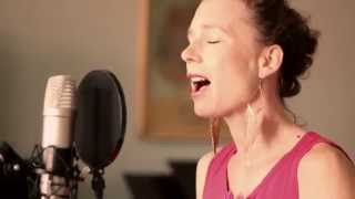 Video Lena Yellow - Pramen