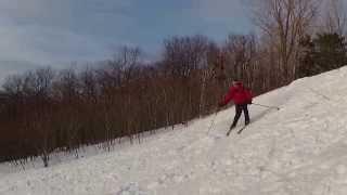 preview picture of video 'TripLevé - Ski nordique pente principale Mt Royal UdeM - Antoine - 150320'