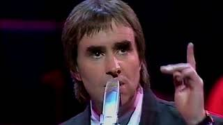 """Chris de Burgh -"""" Don't Look Back"""" and """"Missing You"""" on Live from the Palladium (1988)"""