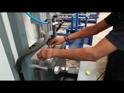 Semi Automatic Pet Blow Moulding Machine Bottle Making Machine