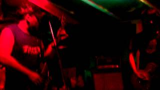 preview picture of video '14/04/13 Ira Nativa en La Madriguera Bar Rock'