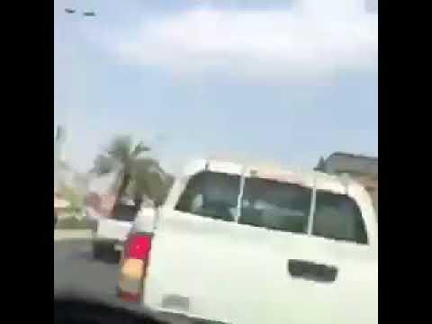 العرب اليوم - سائق يتعرض لحادث تصادم مروع بسبب انشغاله في الموبايل
