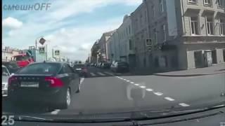 Невероятные идиоты за рулем 2017  Дураки на дорогах