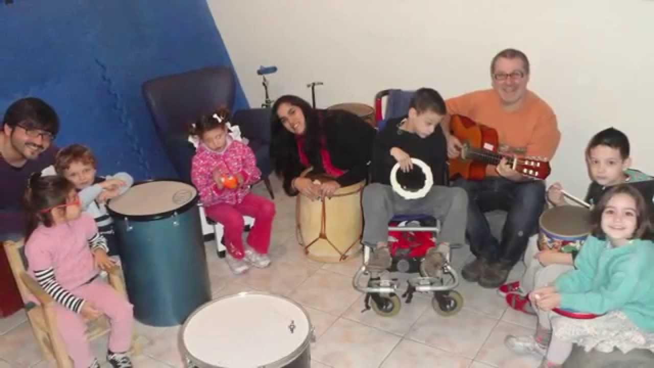 "Musicoterapia centro CAMINO, grupo ""Juntos a la par"""