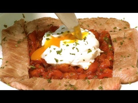 Secreto iberico con huevo y pimientos - Pork filets with bell peppers and egg