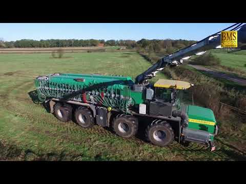 Der stärkste Büffel - Titan-4 TR 60-650 V8 - LU Bauch - the strongest buffalo agricultural Agrotruck