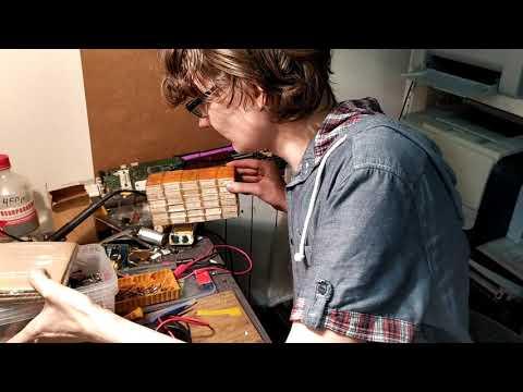 Распаковка радиодеталек, холдер для АКБ, реле и феритовые кольца