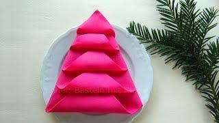 Serviette wie weihnachtsbaum falten