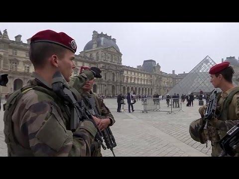 Γαλλία: Η κυβέρνηση ανακάλεσε 12.000 έφεδρους αστυνομικούς