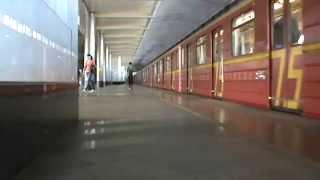 """Именной поезд """"Красная стрела"""" на станции Воробьёвы горы"""