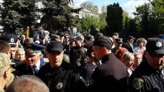 Перепалка активистов 9 мая в Запорожье