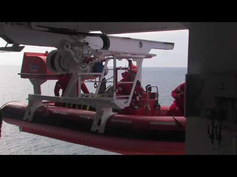 AIDAaura, Mann über Bord  - zur Übung Jan/2007