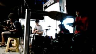 Kaca Band   Hujan (cover) Utopia