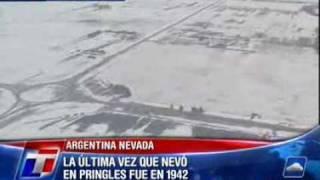 preview picture of video 'Coronel Pringles bajo nieve.'