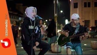 Dhyo Haw - Ada Aku Disini Live Cover KM 0 Jogja By Ziee Feat. Tofan