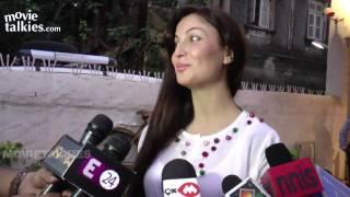 Elli Avram Blushes At Rumours About Salman Khan