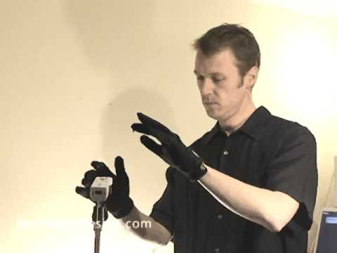 Man Builds Wiimote Theremin, Plays Star Trek Theme