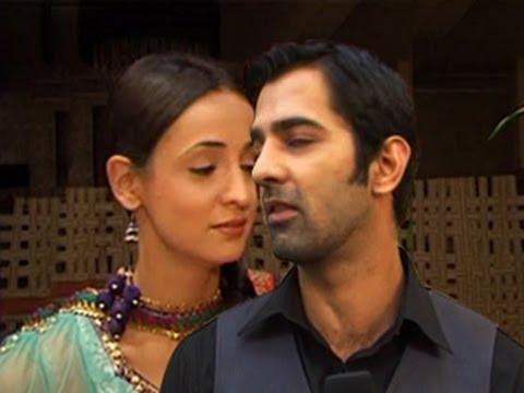 Arnav's I LOVE YOU to Khushi EPISODE in Iss Pyaar Ko Kya Naam Doon 22nd May 2012 (NEWS)