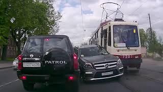Road rage: crazy drivers, car accidents & driving fails
