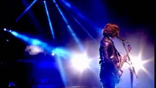 Arctic Monkeys - She's thunderstorms ( Live at Glastonbury 2013)