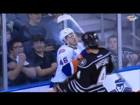 Casey Cizikas vs. Steven Oleksy