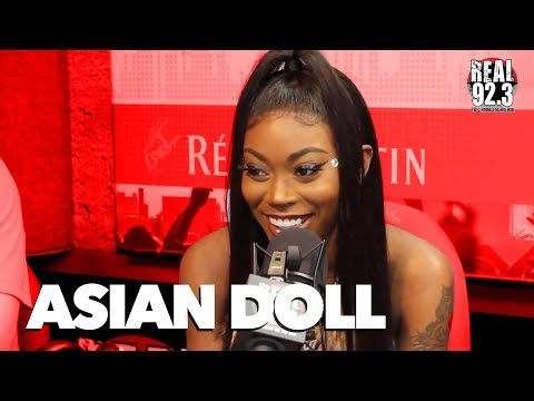 asian doll throws shade on all the other dolls talks signin