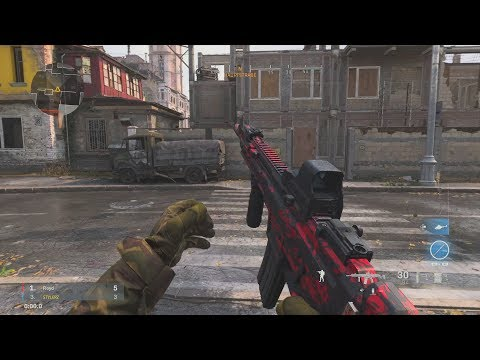 Crossing a street in CoD Modern Warfare