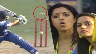 Malayalam Actresses Mamta Mohandas and Bhavana Delighted With Clean Bold Of Karnataka Batsman.