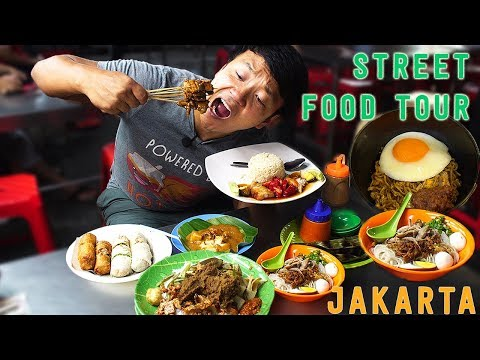 10X SPICY Mie Instan INDOMIE Goreng: Jakarta Indonesia Street Food Tour