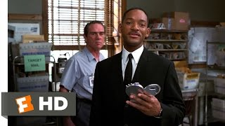 Men in Black II - Post Office Aliens Scene (3/10) | Movieclips
