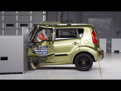 Kia Soul Crash Test Video