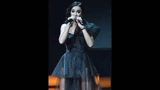 Ольга Бузова снова опозорилась на сцене