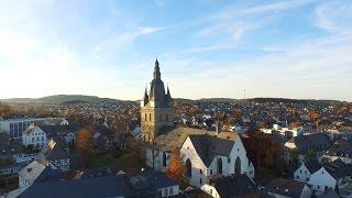 """Brilon: Herbst """"Rundflug"""" um die Propsteikirche"""