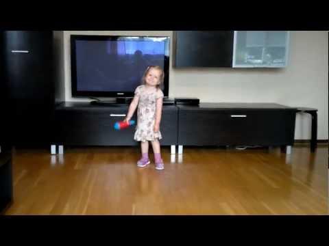 Estere dzied dzeltenās kurpes 2012 07 16 202