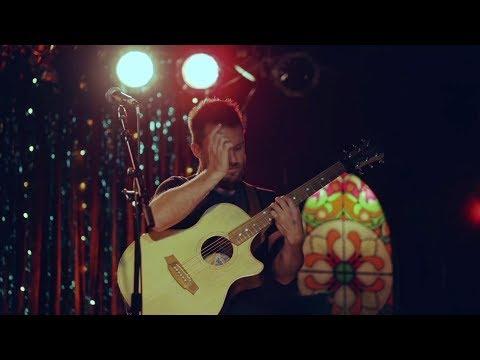 Van Larkins performing LIVE!