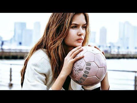 AMAZING FOOTBALL GIRLS SKILLS & TRICKS 2019