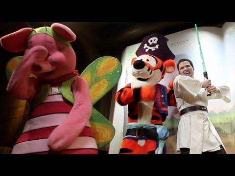 Piglet wasn't impressed at Mickeys Not-So-Scary Halloween Party | VLOG 1 | September 2018 | WDW